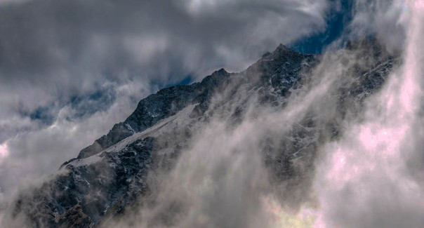 clouds-mountain-dark-vibr